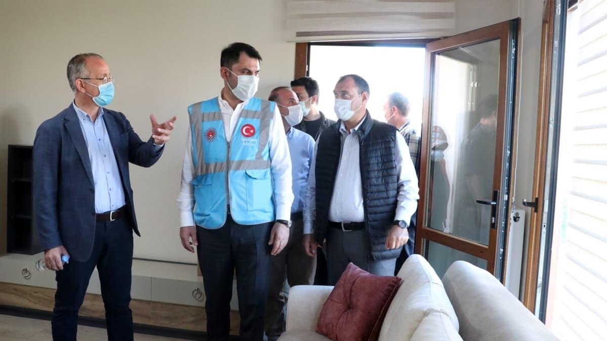 Bakan Kurum Elazığ'daki depremin merkez üssü Sivrice'de incelemelerde bulundu