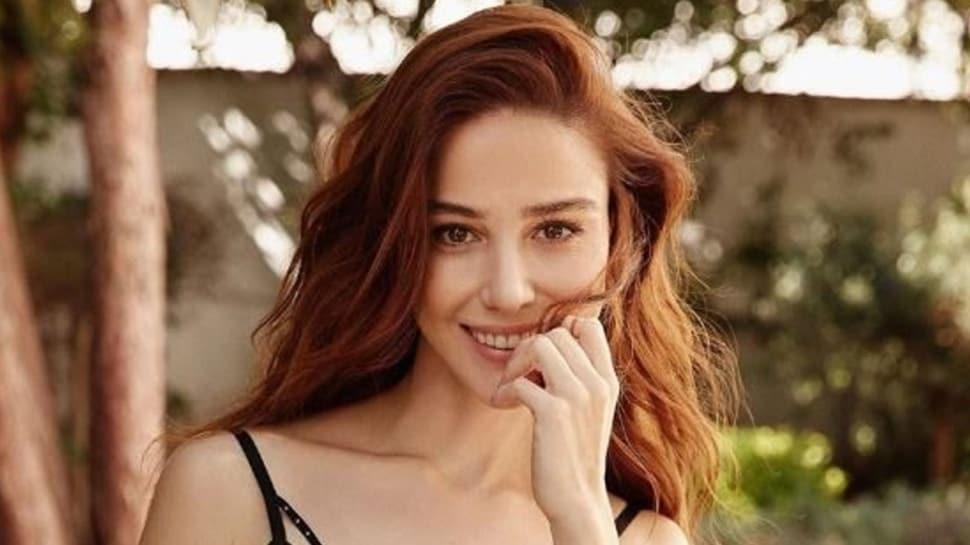Can Yaman ile 'Bay Yanlış'da rol alacak olan Özge Gürel'den sevgilisi Serkan Çayoğlu'na romantik mesaj