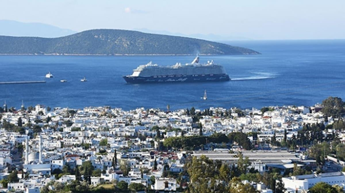 Bakan Karaismailoğlu: Gemilerde yolcu taşımacılığını başlatıyoruz