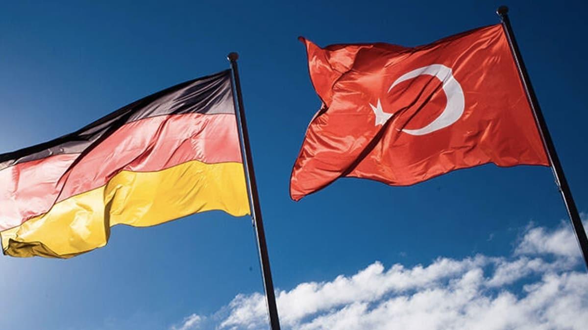 Avrupa'daki Türkler, tatillerini memleketlerinde geçirmek için sabırsızlanıyor