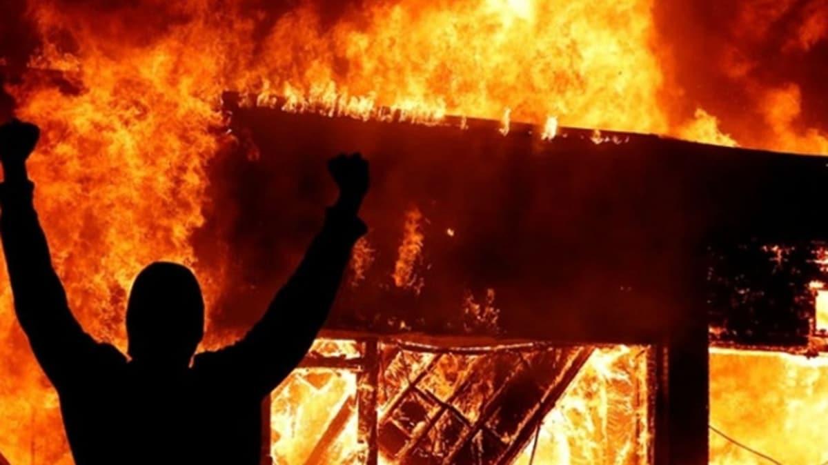 """George Floyd'un ölümü, ABD'yi yangın yerine çevirdi: Irkçılık karşıtı protestoların arka planında ne yatıyor"""""""