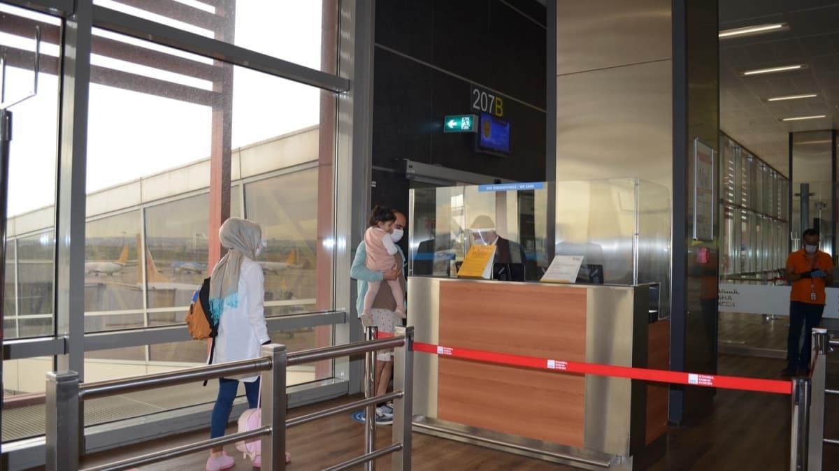 Sabiha Gökçen Havalimanı'nda normalleşme sürecinin ilk uçuşu gerçekleştirildi