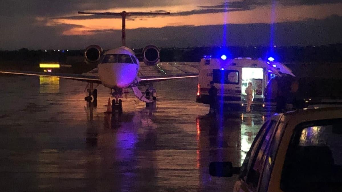 Mısır'da koronavirüse yakalanan Türk aile ambulans uçakla Türkiye'ye getirildi