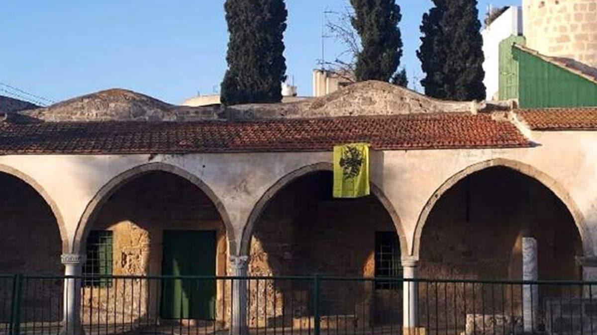 GKRY Tuzla Camii'ne Bizans bayrağı asılmasını kınadı