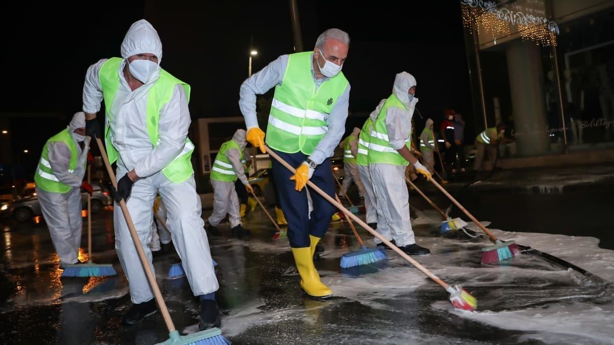 Ümraniye Belediyesi'nden büyük temizlik hareketi