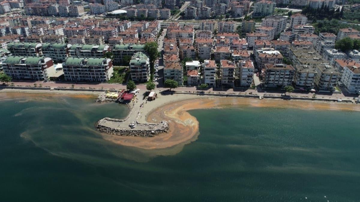 Marmara Denizi turuncuya boyandı...O anlar havadan görüntülendi