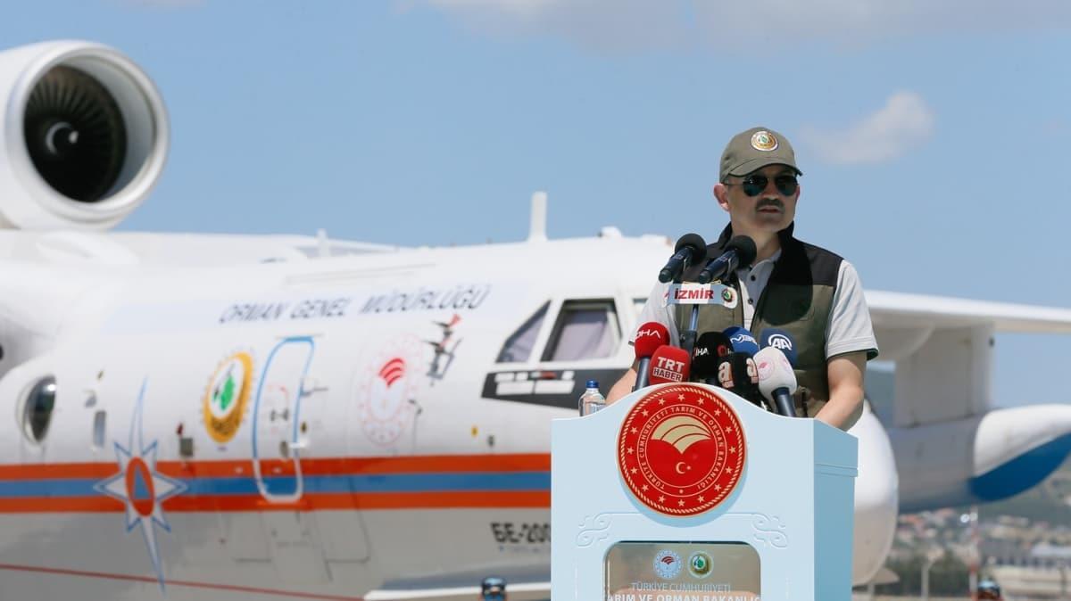 Tarım ve Orman Bakanı Pakdemirli yeni yangın uçaklarını tanıttı
