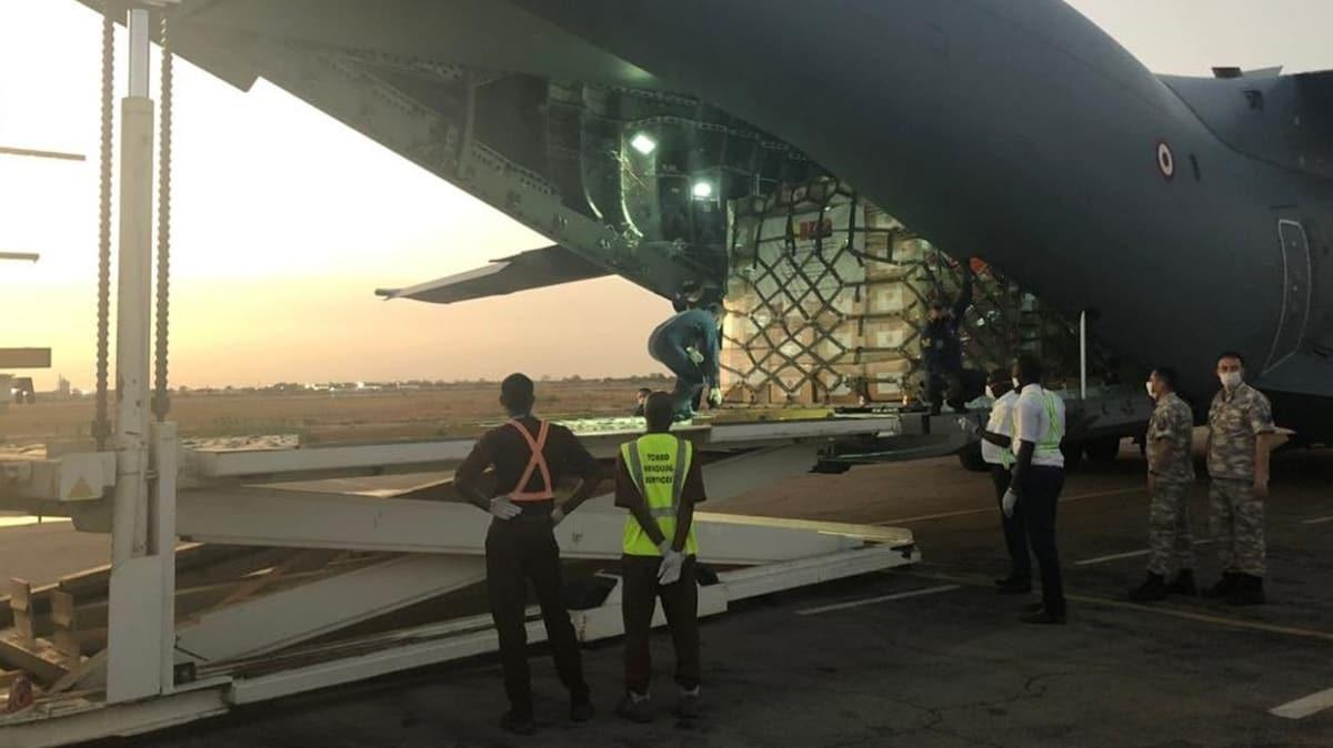 MSB: Tıbbi yardım malzemeleri taşıyan uçağımız Çad'a indi