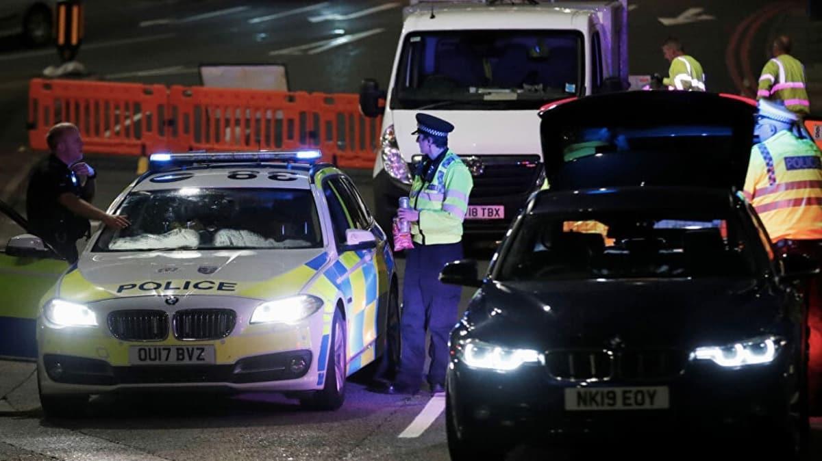 İngiliz polisi bıçaklı saldırının terör değil cinayet olduğunu iddia etti