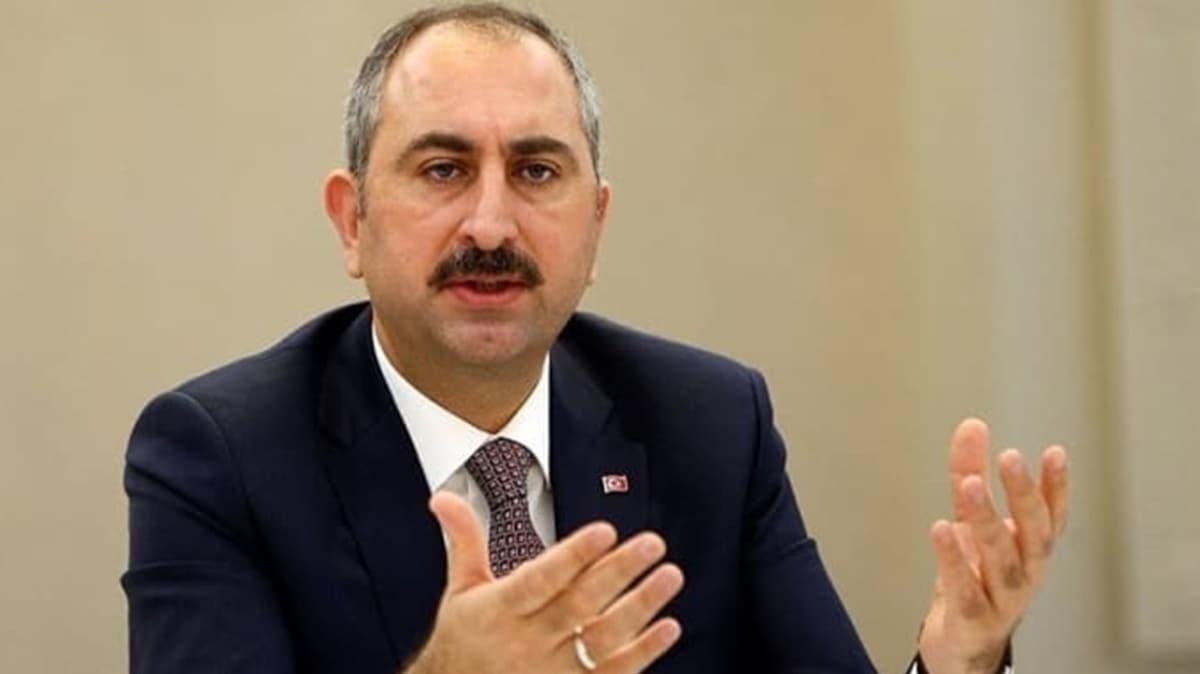 """Bakan Gül'den baroların yürüyüşüyle ilgili açıklama: Ortada teklif yokken hangi maddesine karşı çıkıyorsunuz"""""""