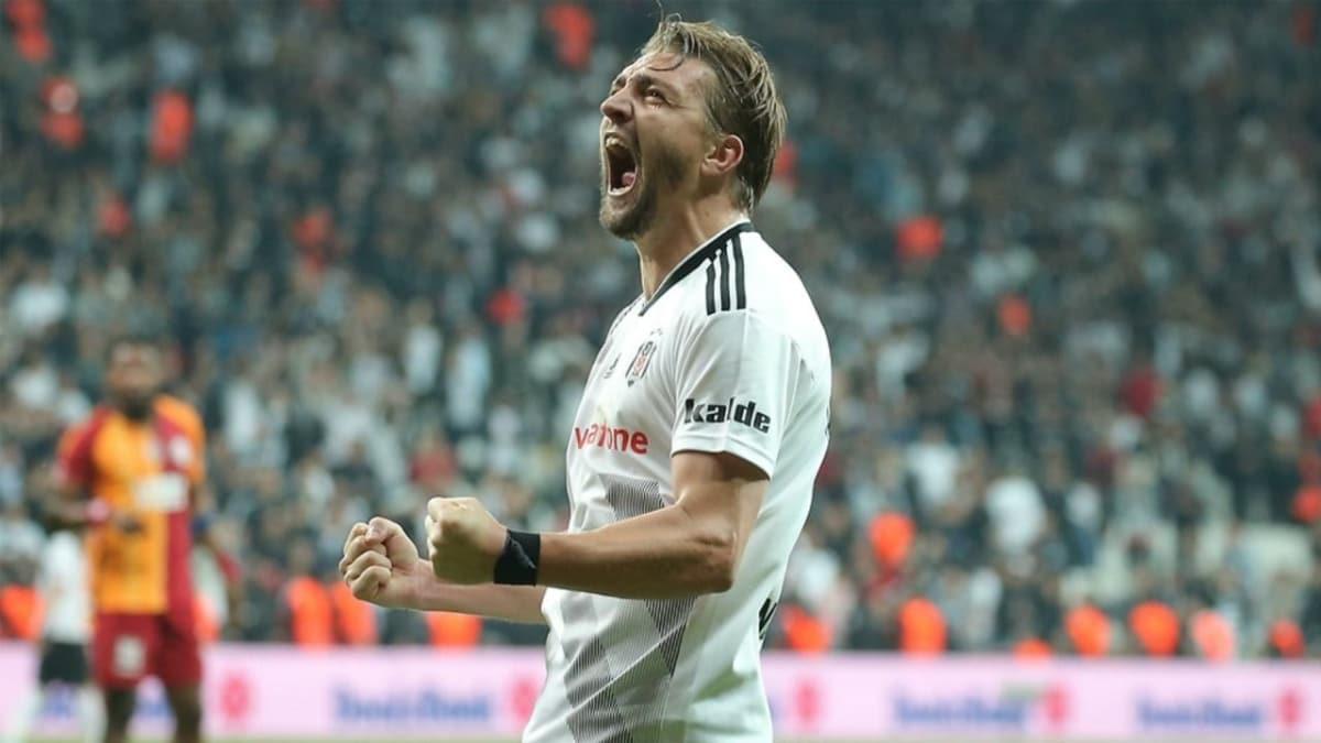 Caner Erkin, Fenerbahçelilerin engelini kaldırdı