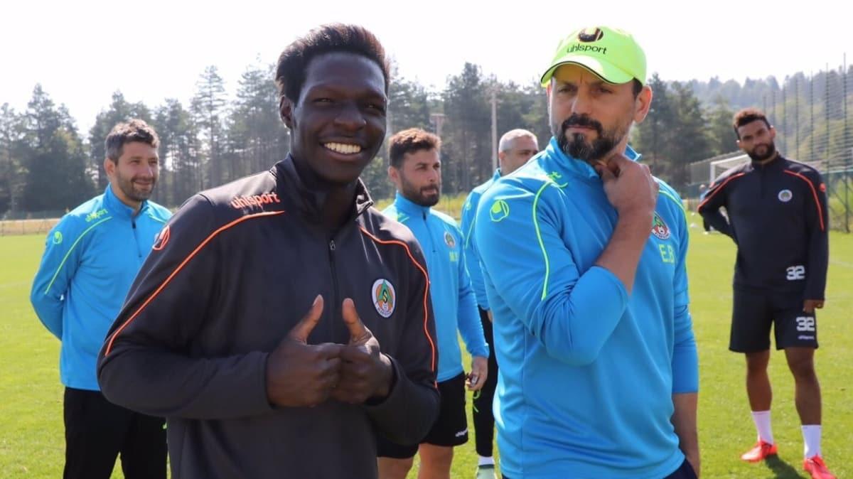Beşiktaş yeni sezonun ilk transferini Fabrice N'Sakala ile yaptı
