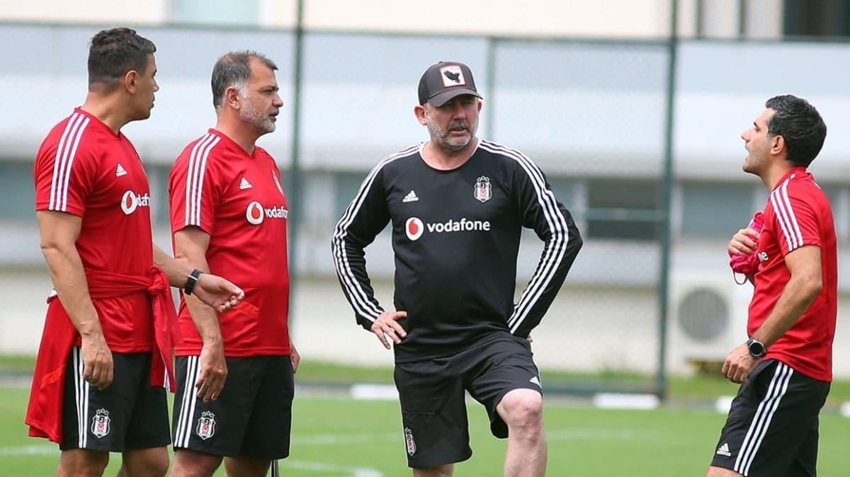 Beşiktaş'ta transfer hareketliliği başlıyor