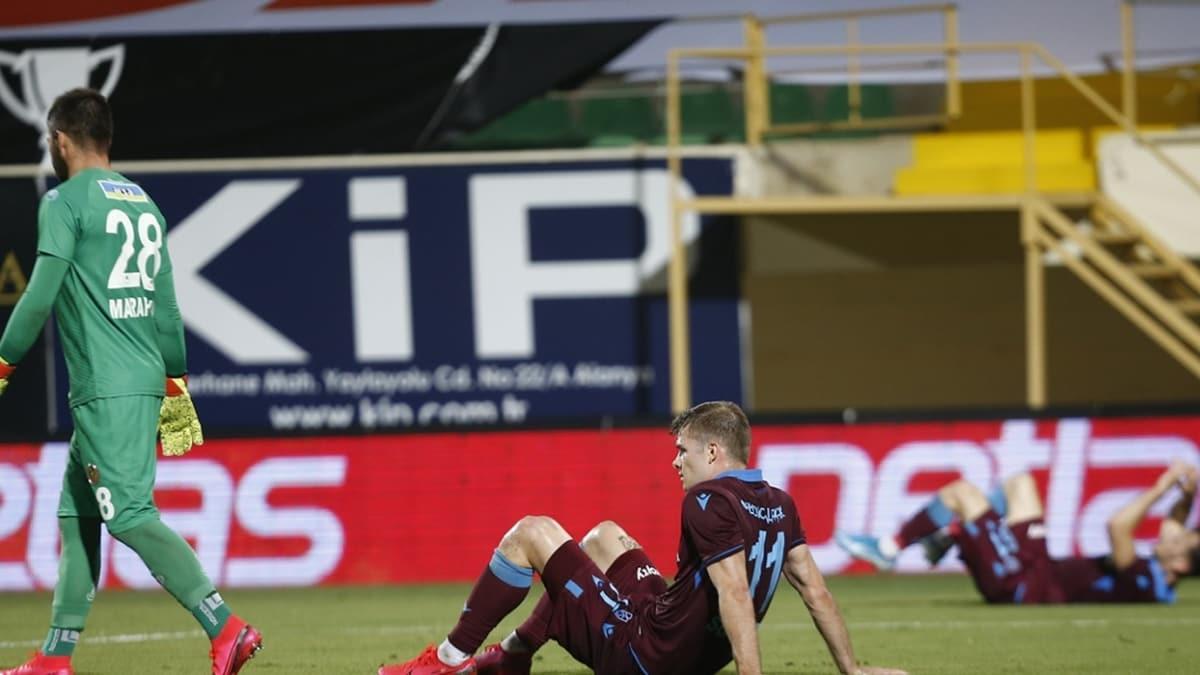 Trabzonspor, uzatmalarda yıkıldı! Maça kavga damga vurdu...