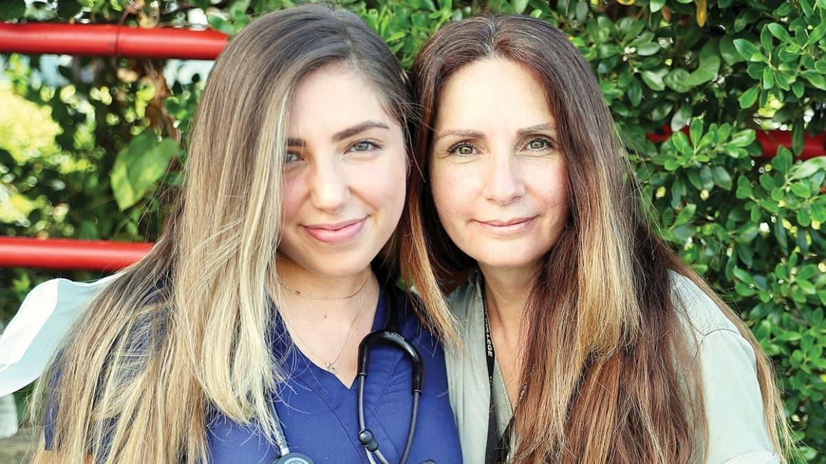ABD'de yaşanan dramı hemşire anne-kız anlattı! 'Yoğun bakımda hemşire yoktu'