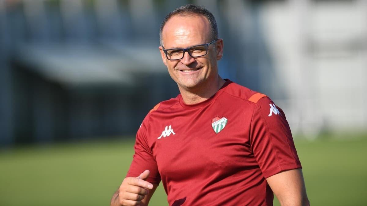 Bursaspor'un yeni teknik direktörü İrfan Buz: Biz kendimize bakacağız
