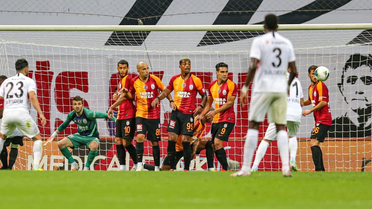 Galatasaray, takım halinde PFDK'ya sevk edildi