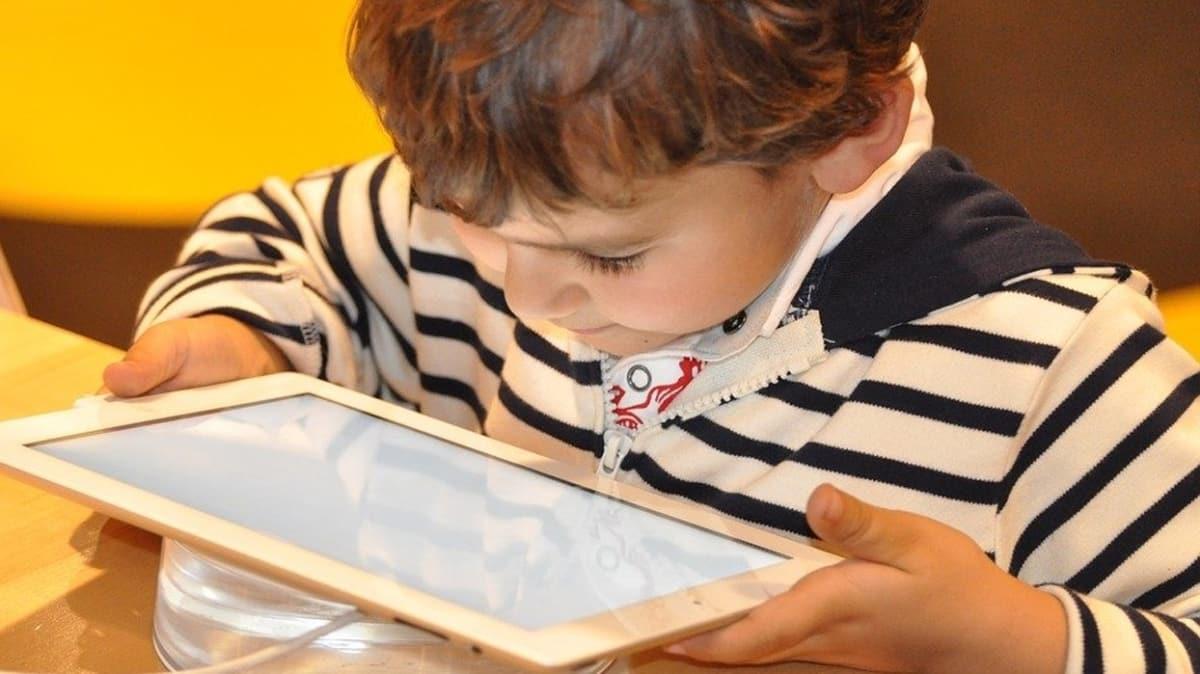 Çocuklarda aşırı İnternet kullanımını engelleyen yöntemler