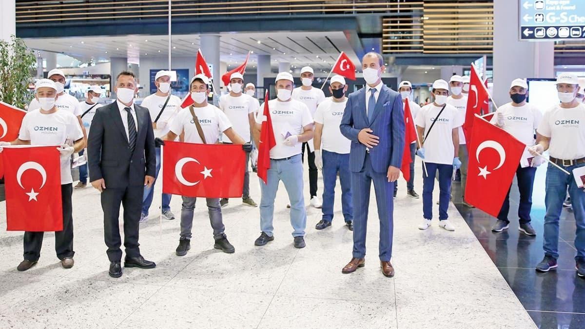 Türk işçiler, özel uçakla Malta'ya gitti