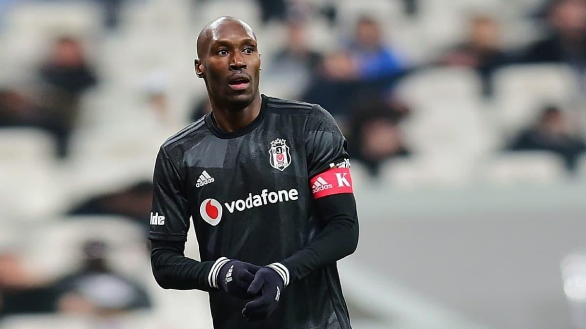 Beşiktaş, Atiba Hutchinson'a yeni sözleşme teklifini iletti