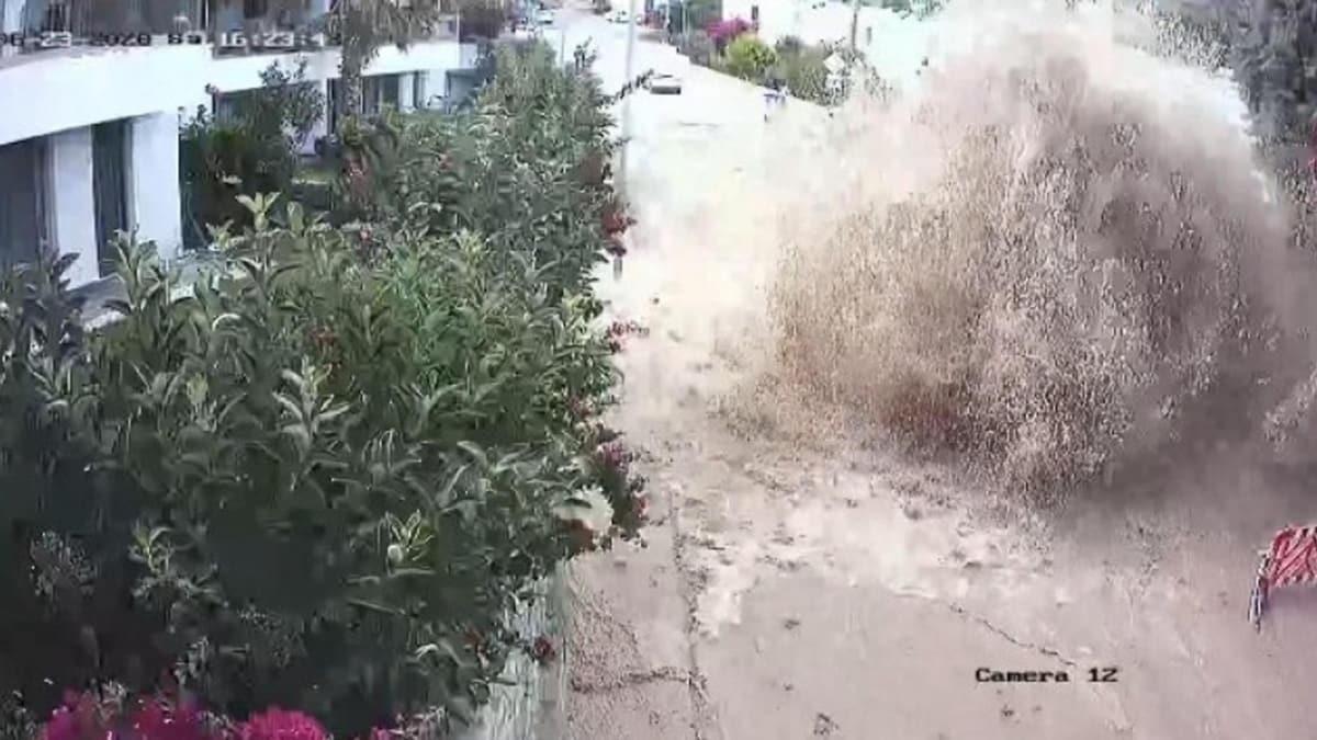 Bodrum'da 9 yılda 2 bin 700 kez patlayan isale hattına tepki