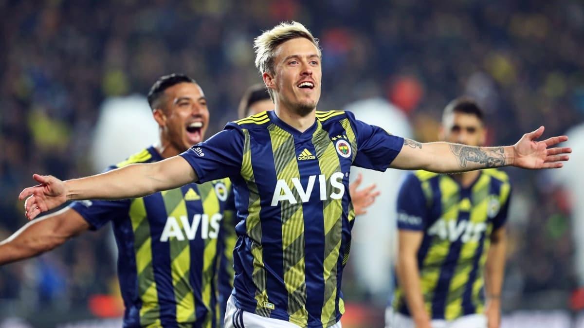 Fenerbahçe'den ayrılan Max Kruse, Stuttgart'a transfer oluyor