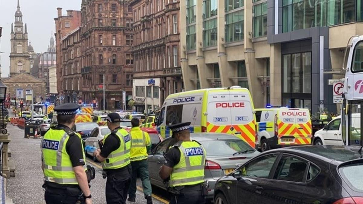 İskoçya'da 6 kişiyi bıçaklayan saldırgan vurularak öldürüldü