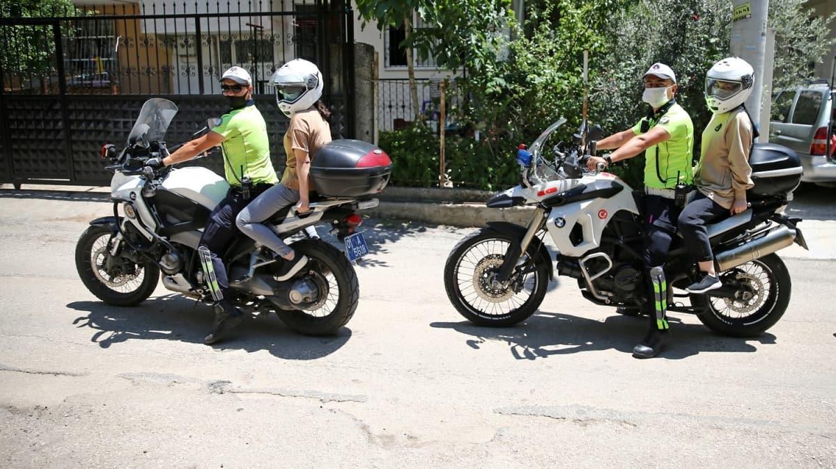 Bakan Soylu'dan YKS'ye geç kalan öğrenciler için seferber olan polislere teşekkür
