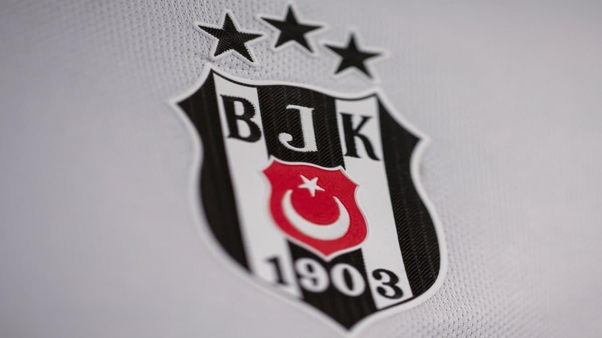 Beşiktaş'ın gözdesi Nika Ninua, Konyaspor maçını izledi