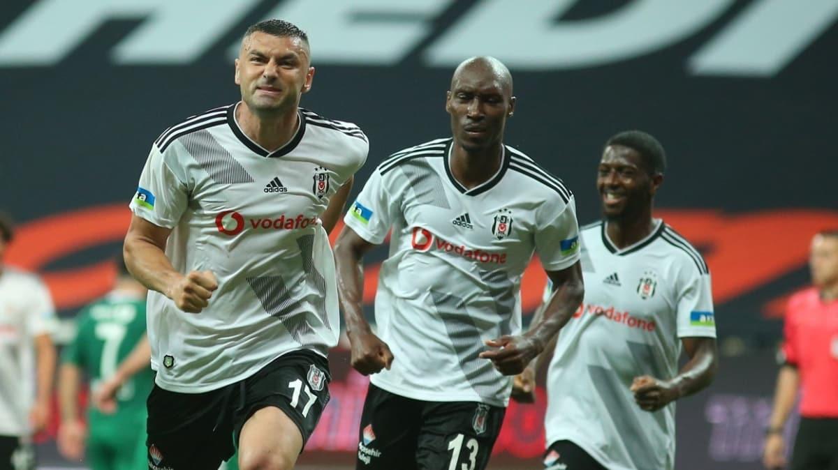 Burak Yılmaz, Beşiktaş'ta en fazla gol attığı sezonu yaşıyor