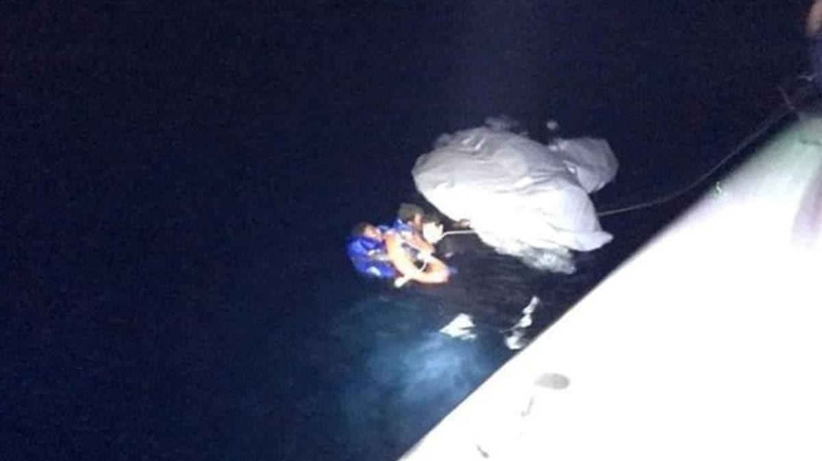 Ayvalık'ta sığınmacıları taşıyan bot battı
