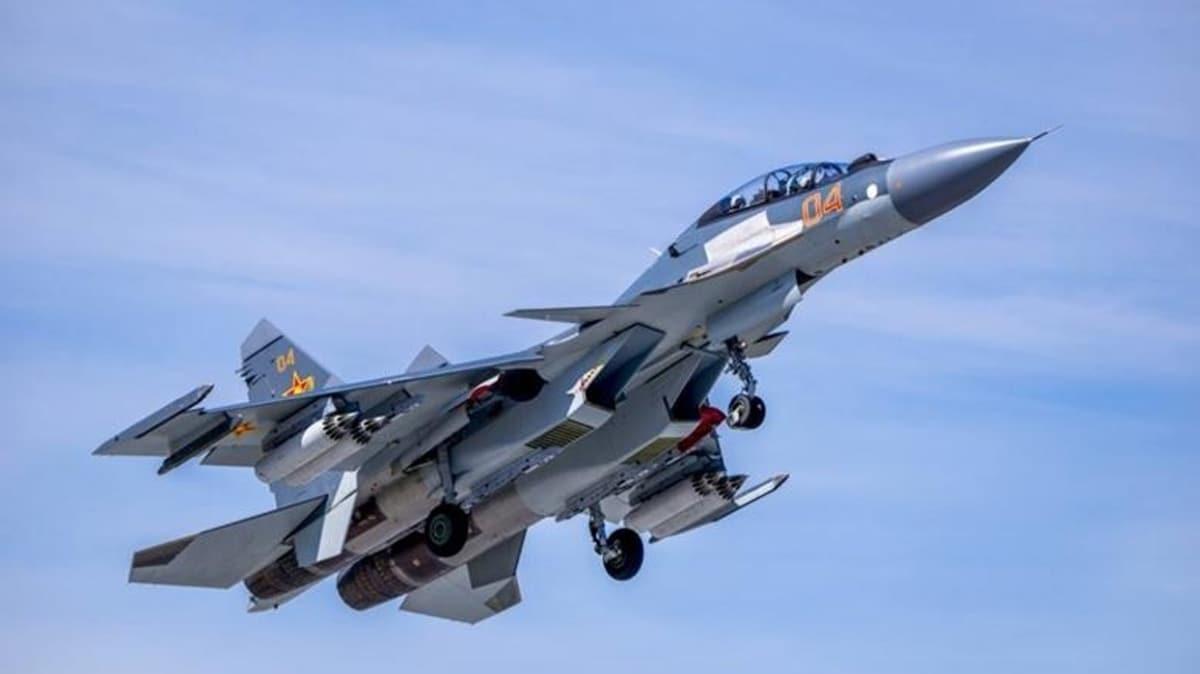 Rus uçakları, Karadeniz'de ABD uçaklarını önledi