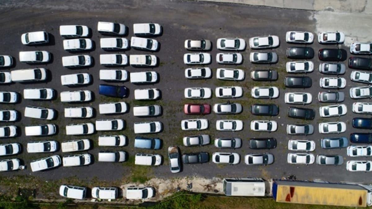 Servet değerinde... Yüzlerce otomobil çürümeye terk edildi