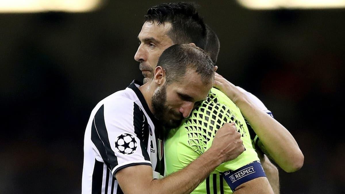 Juventus, Gianluigi Buffon ve Giorgio Chiellini'nin sözleşmelerini uzattı