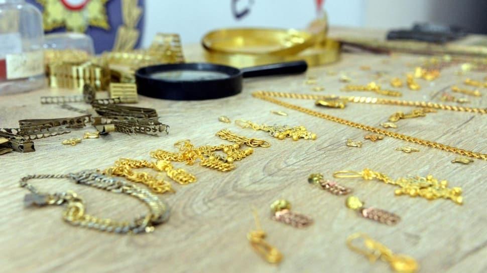 Şeytanın bile aklına gelmez: 5 kuruşları eriterek 'altın' diye kuyumculara satmışlar
