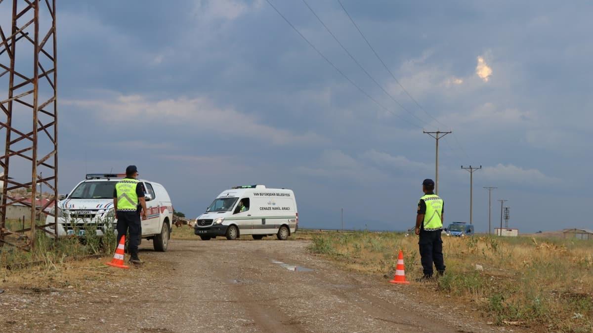 Van Valiliği açıkladı: Van Gölü'nde kaybolan tekneyi arama çalışmalarında 5 kişinin cesedine ulaşıldı
