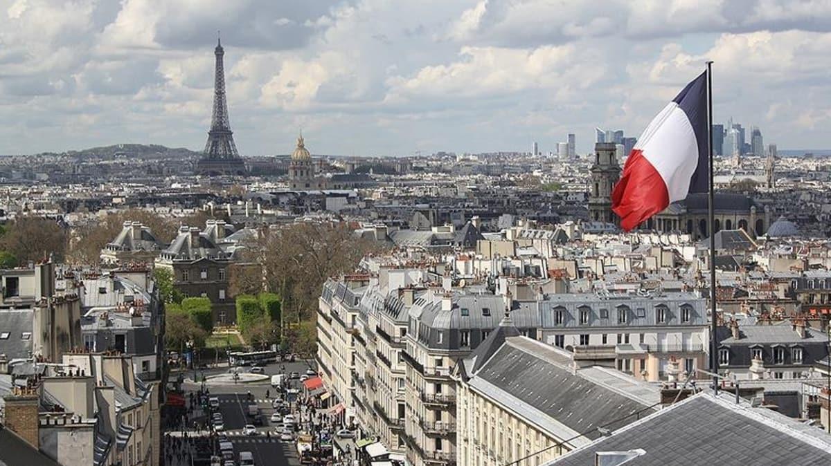 Fransa'da koronavirüsten ölenlerin sayısı 29 bin 843'e yükseldi