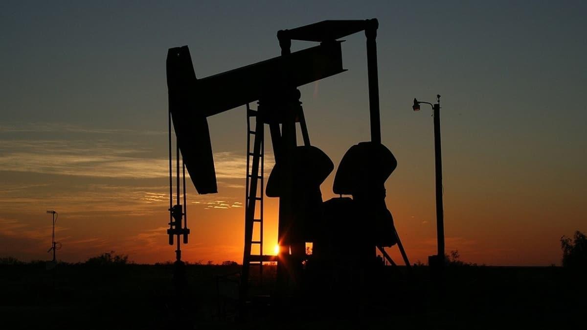 Libya'da darbeci Hafter yanlısı kabileler petrol vanalarını açıyor