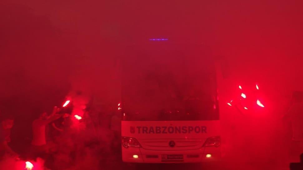 Trabzonspor'a İstanbul yolculuğu öncesi coşkulu uğurlama