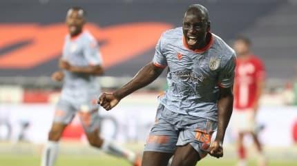 Medipol Başakşehir, şampiyonluğa koşuyor: 0-2