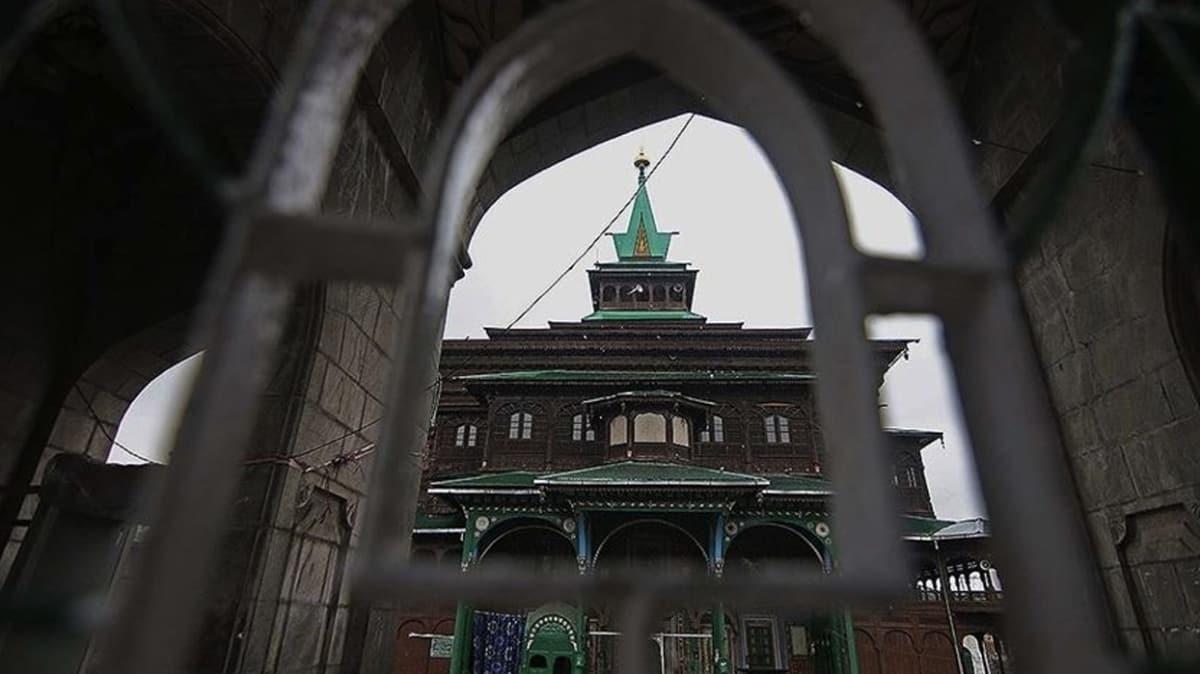 Cammu Keşmir'de Müslümanların toplanması yasak, Hinduların ibadeti serbest!