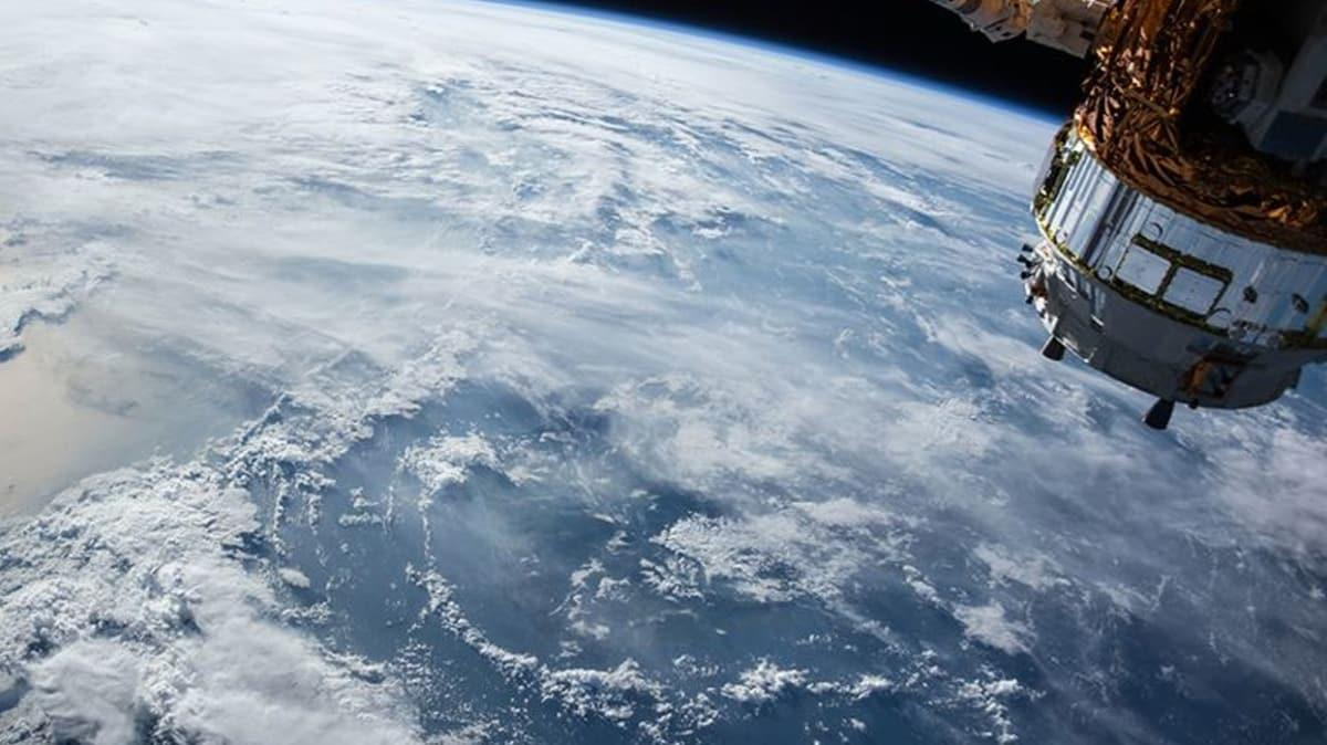 İsrail uzaya casus uydu gönderdi