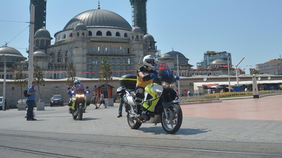 İstanbul'da göreve başladılar: Motosiklet ambulansları ilk kez görüntülendi