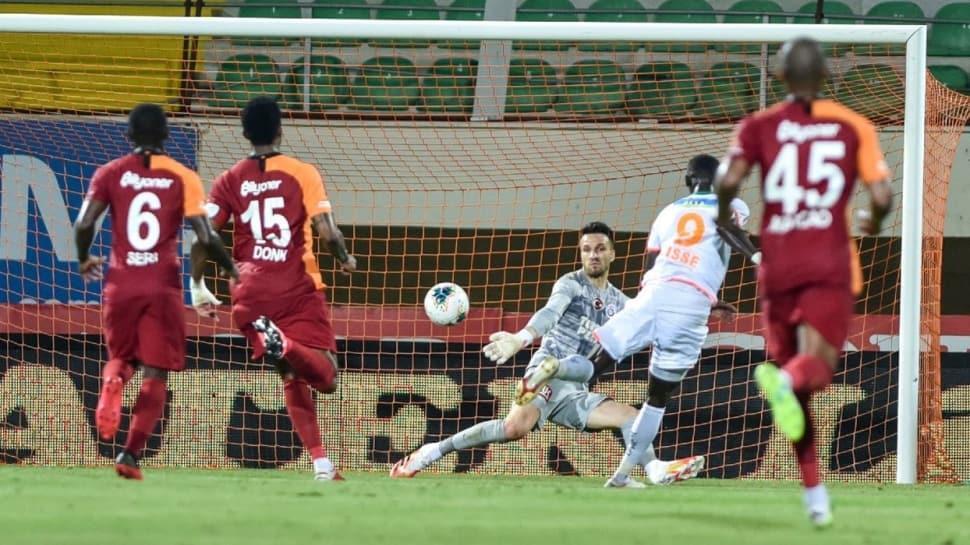 'Galatasaray fişi çekmiş! Oyunla alakaları kalmamış...'