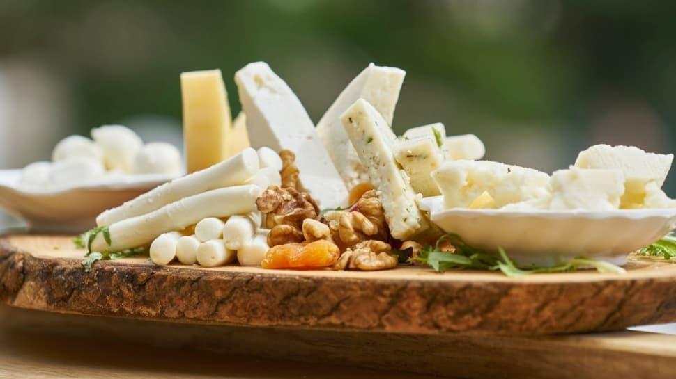Her gün beyaz peynir yemenin cilde 5 önemli faydası  Peynirin faydaları