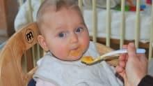 6 aylık bebeklere hangi ek gıdalar verilmelidir?