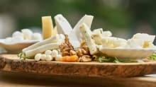 Her gün beyaz peynir yemenin cilde 5 önemli faydası