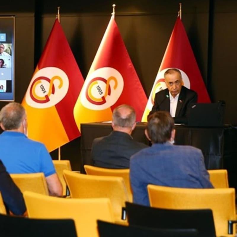 Galatasaray'da kurullar, Mustafa Cengiz başkanlığında toplandı
