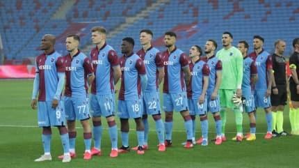 Trabzonspor şampiyonluk umudunu sürdürüyor