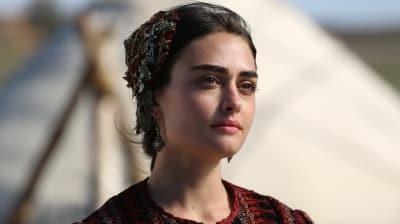 Diriliş Ertuğrul'un Halime Sultan'ı Esra Bilgiç Pakistanlı markanın yüzü oldu